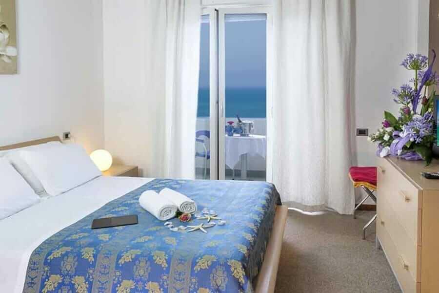 Camera confort dell'albergo Medi Garden Resort di Alba Adriatica